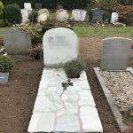 ruwe grafstenen ruw monument flagstones